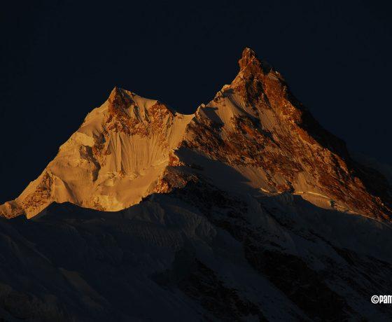 1080_S_08_015735-560x460 TREKKINGI W NEPALU