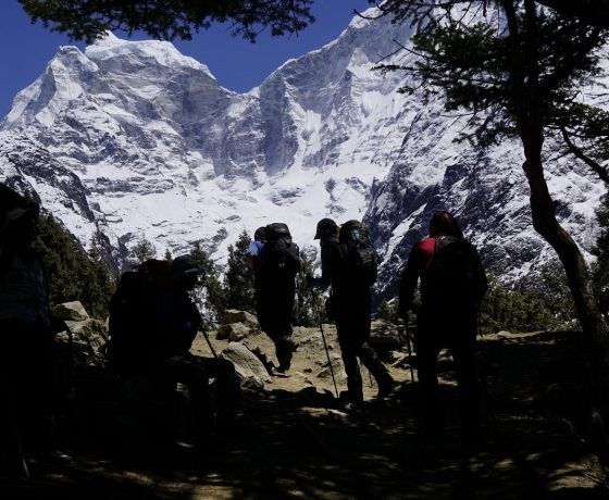 everest_base_camp_trekking_7_20151017_1527019533-560x460 ISLAND PEAK + baza pod Everestem